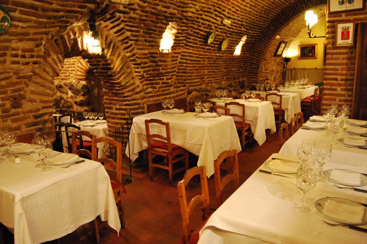 Madrid Casa Botin En Imagenes Restaurante Botin Table