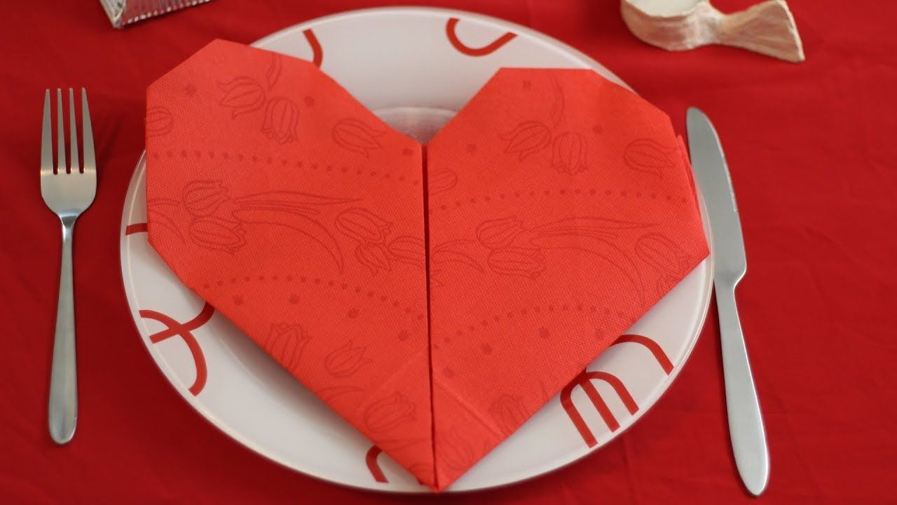 Diy napkin origami heart table decoration origami instructions diy napkin origami heart table decoration jeuxipadfo Image collections