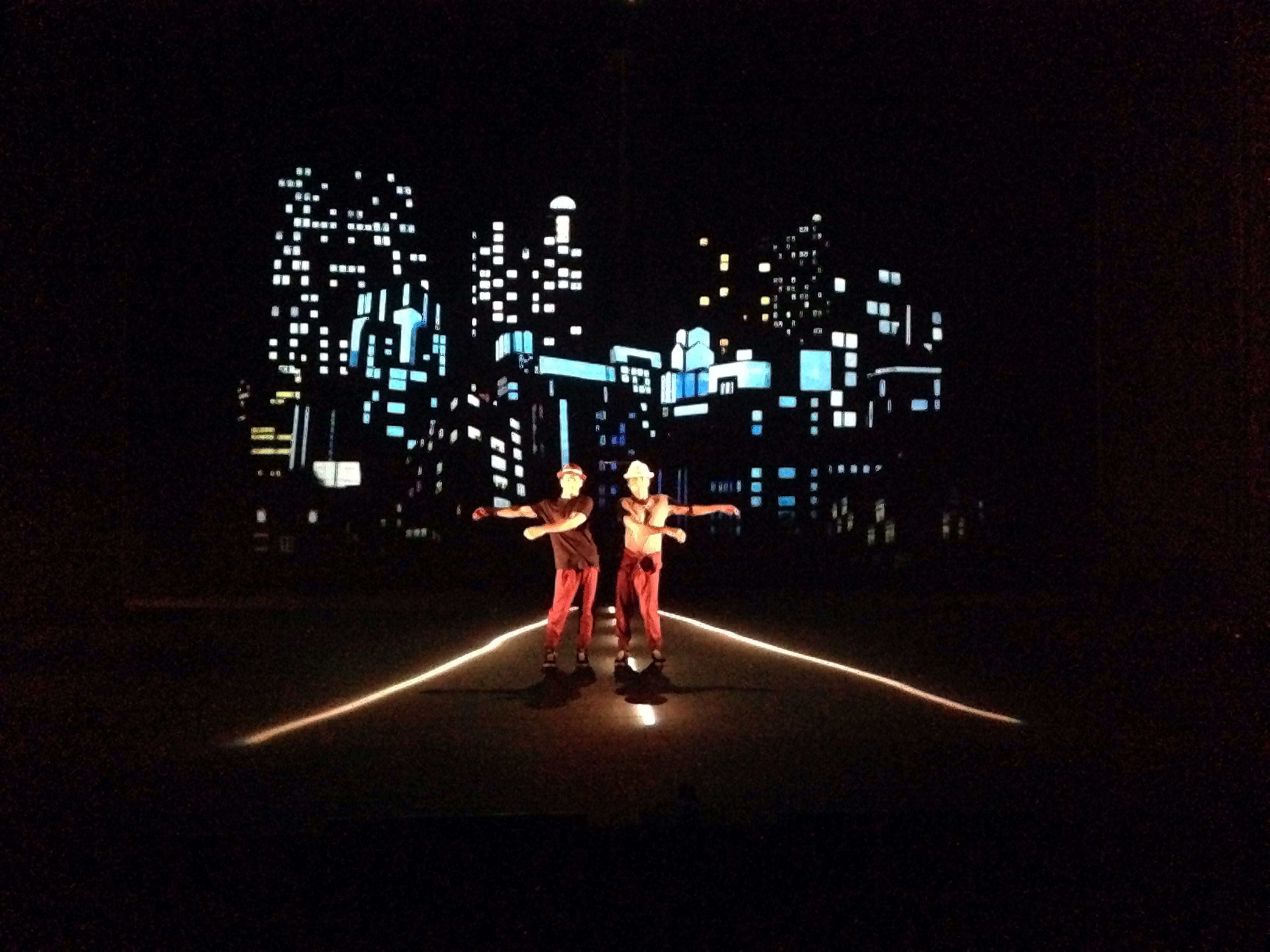 Visual Scenography www.dslnc.com Dance company www.kulbik.com