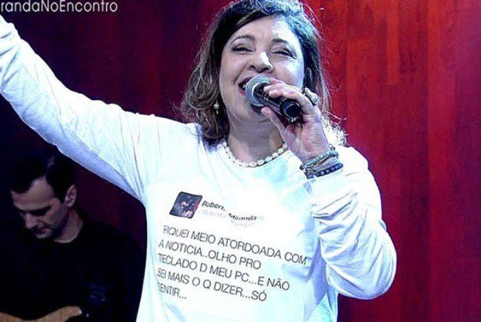 'Perdi metade da minha família e quis parar de cantar' diz Roberta Miranda http://ift.tt/2xztMk9