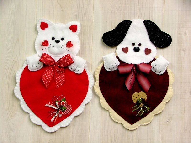 Kitten or Puppy Valentine Heart Felt ornaments, Felt