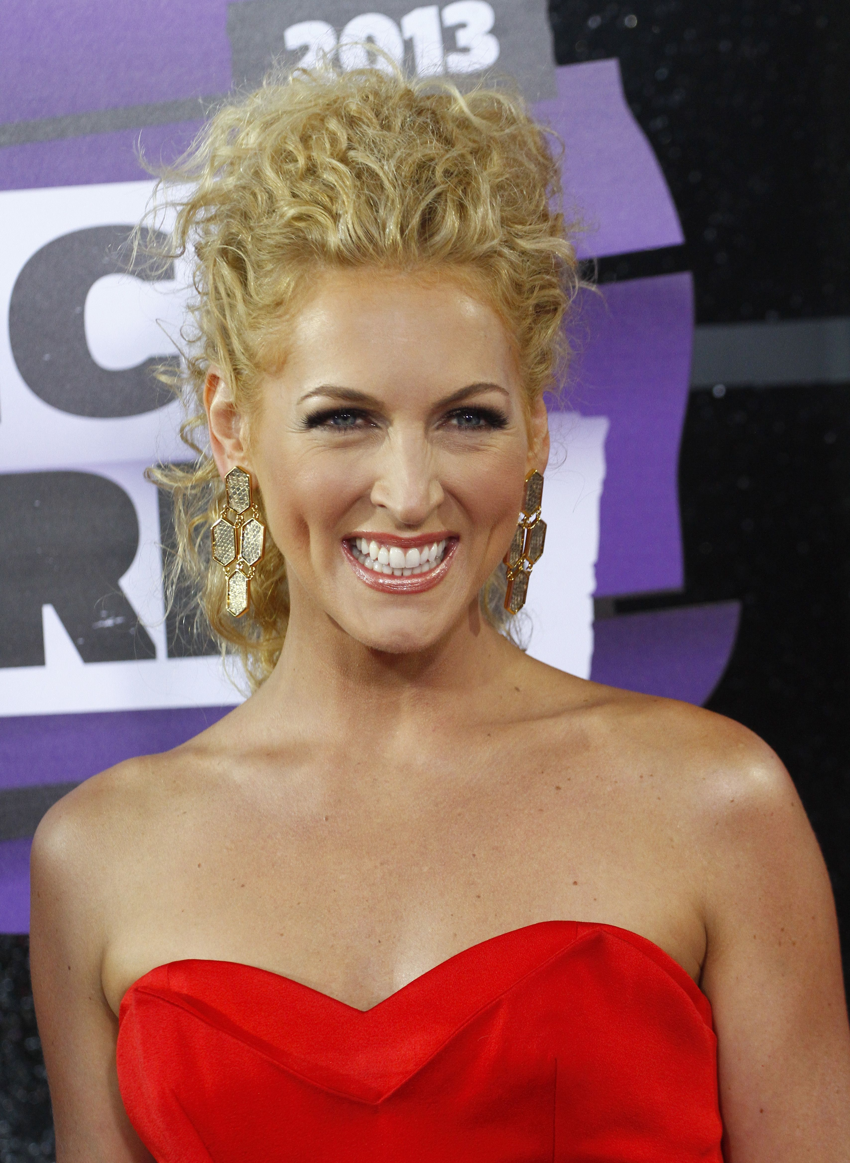 Kimberly Schlapman Crazy Curly Hair Curly Hair Styles