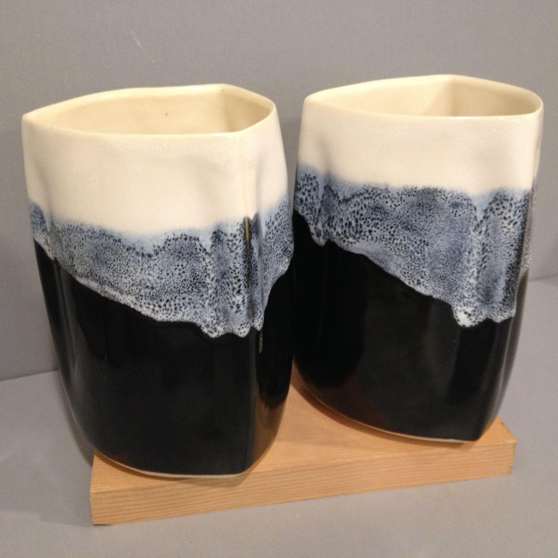 6 Stein White Stoneware Coyote Texas Two Step Glaze In White Over Black Pottery Glazes Amaco Glazes Texas Two Step