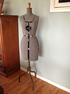 VINTAGE ADJUSTABLE SEWING DRESSMAKERS MANNEQUIN DUMMY