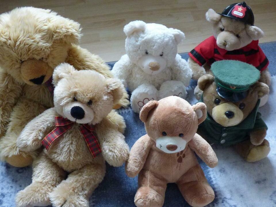 Teddybaren Teddy Sammlung Insgesamt 34 Stuck In Berlin Tempelhof Bar Sammlung Berlin Tempelhof