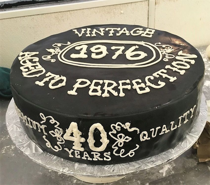 40th 50th 60th Birthday Gifts For Husband Dad Grandad: Jack Daniels Aged To Perfection Cake