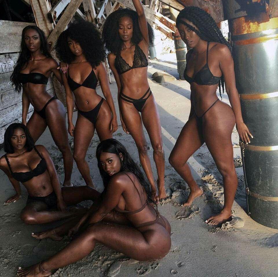 Black Girls Kissing Pussy