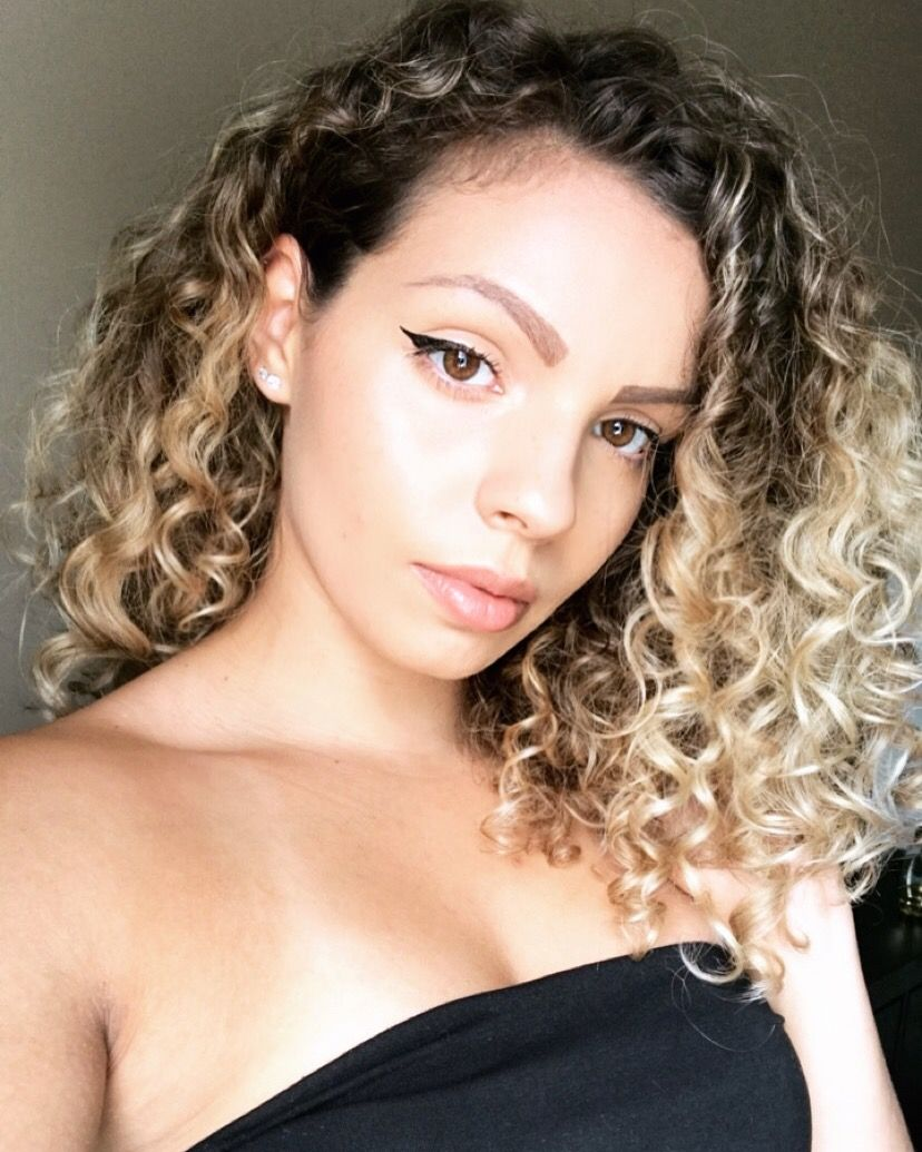 Blonde Ombre Curls 3a 3b 3a Curly Hair Blonde Ombre Hair Styles