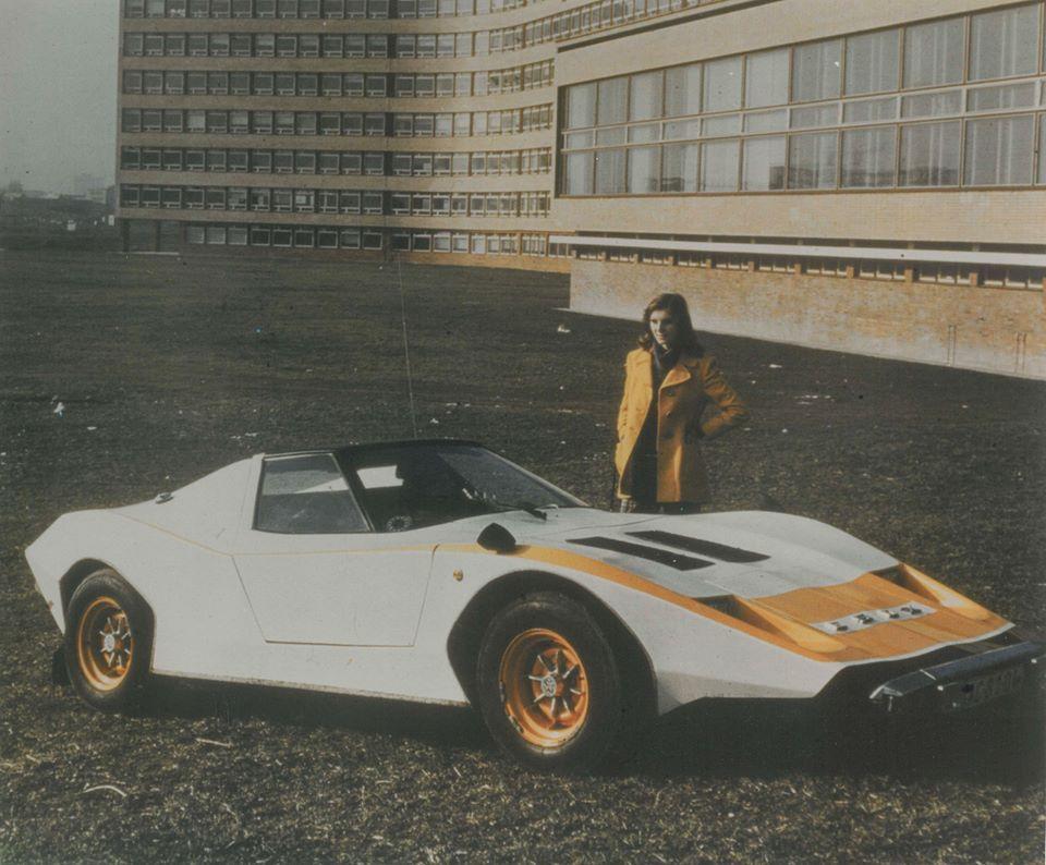 Prichádza ESOX! Toto športové auto brázdilo bratislavskými ulicami od roku 1973. Na podvozku VW Beetle ho postavil architekt Pavel Mikšík. V interiéri mal prepínače zo stíhačky.