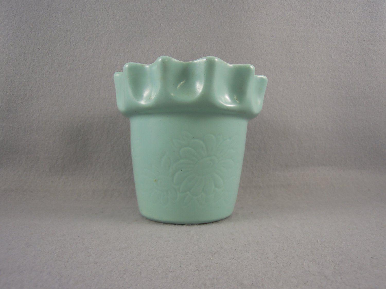 Camark flower pot mint green vintage camark pottery pinterest camark flower pot mint green vintage pottery vaseflower reviewsmspy