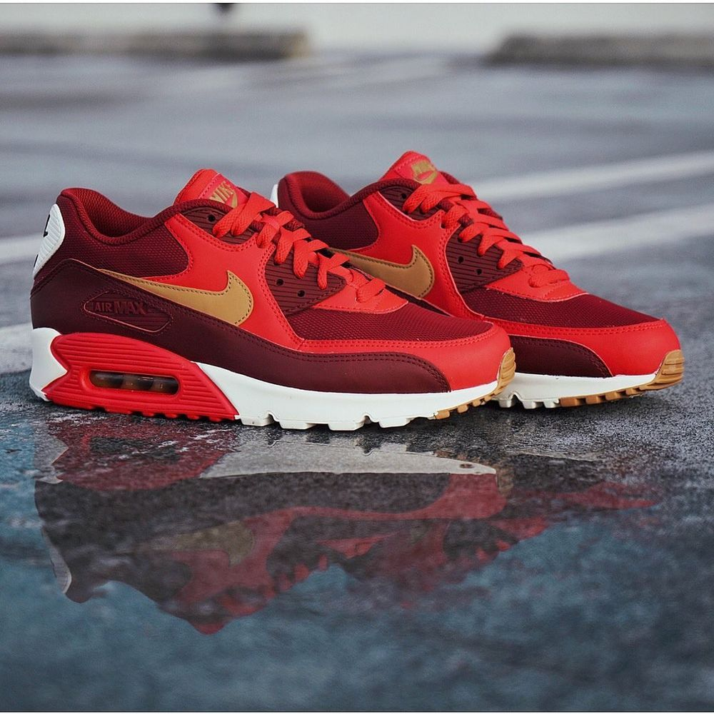 abb15d25a24 NIKE AIR MAX 90 Essential SZ 10 Game Red Elemental Gold Free Shipping U.S.   fashion