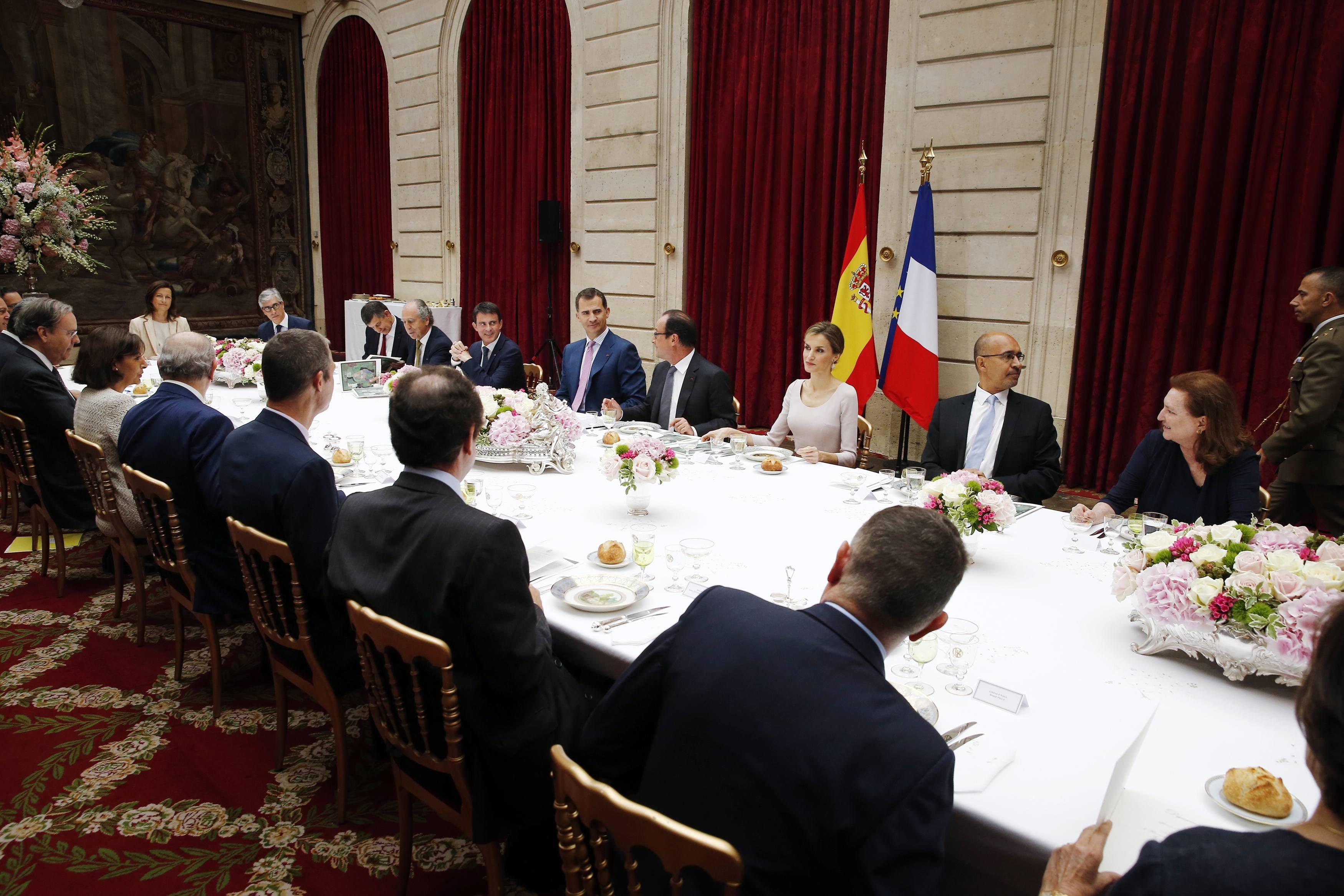 Almuerzo ofrecido por el Presidente de la República de Francia a los Reyes