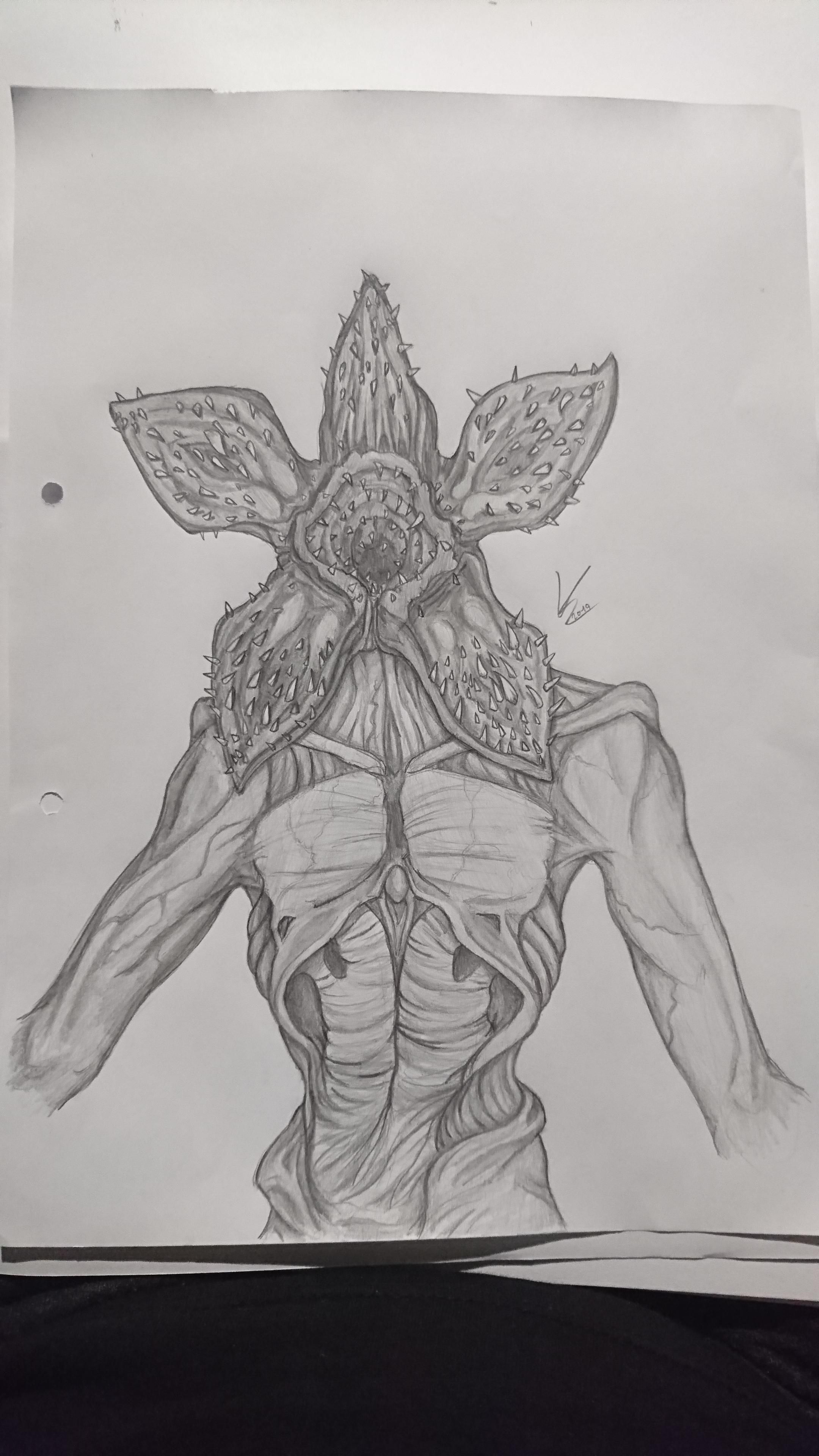 I Ve Been Told To Post It Here Aswell So Here S My Demogorgon Drawing I Hope You Like It Stranger Things Art Stranger Things Monster Creepy Sketches