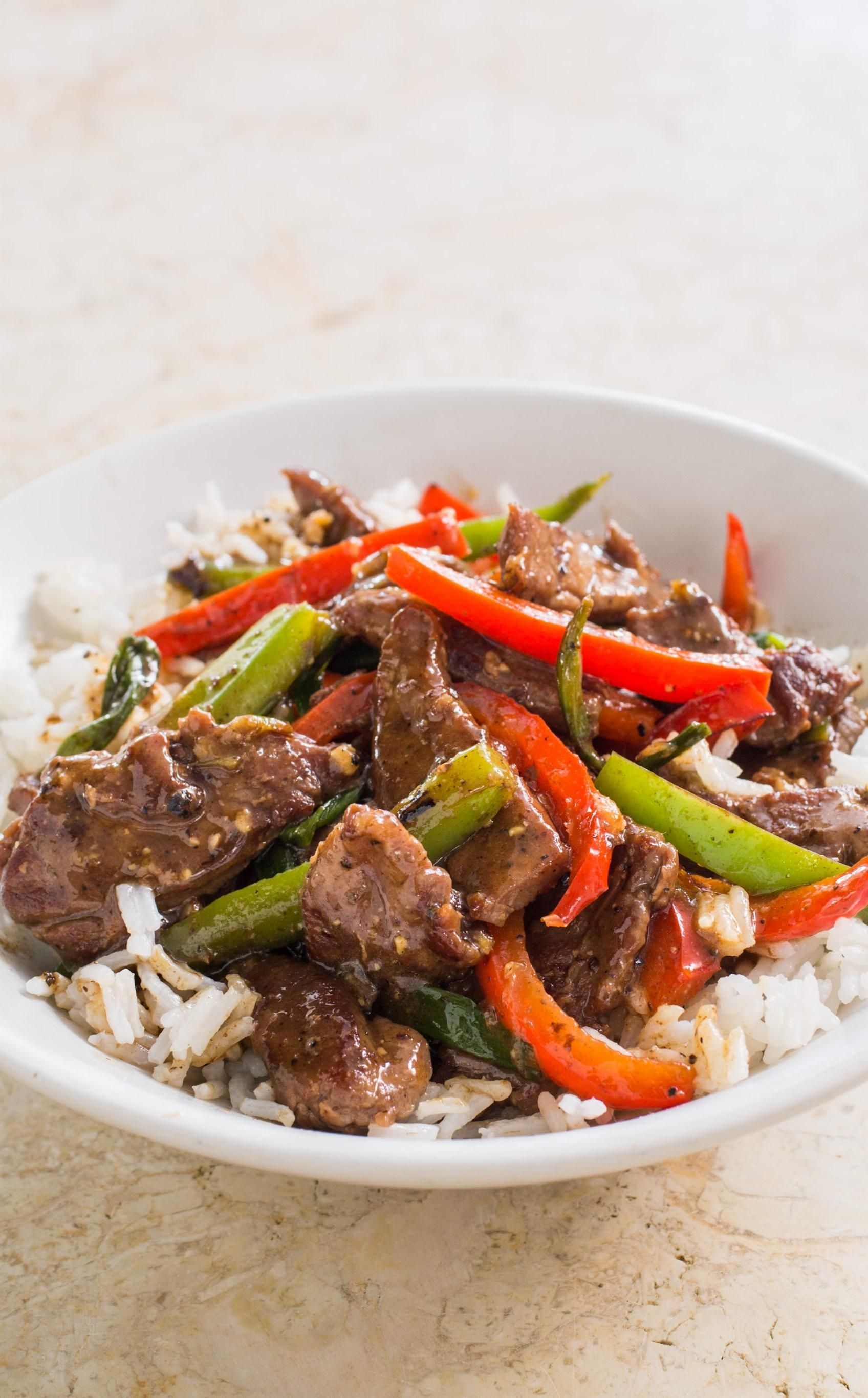 beef stir fry with bell peppers and black pepper sauce we