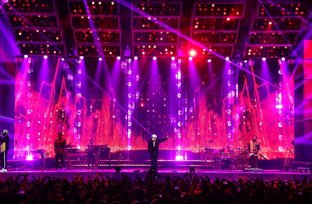 214 Flares On Bruno Mars Tour Lighting Designer Cory