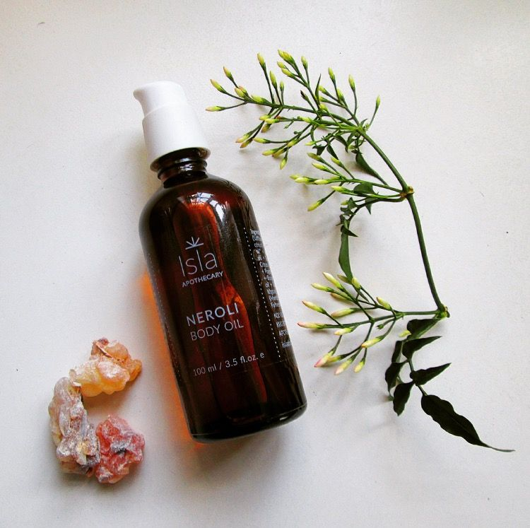 NEROLI BODY OIL: The heady and romantic citrus, floral and peppery aroma of the bitter-orange blossom is the proud and exquisite heart note of the Neroli Body Oil, the newest addition to the Isla family.
