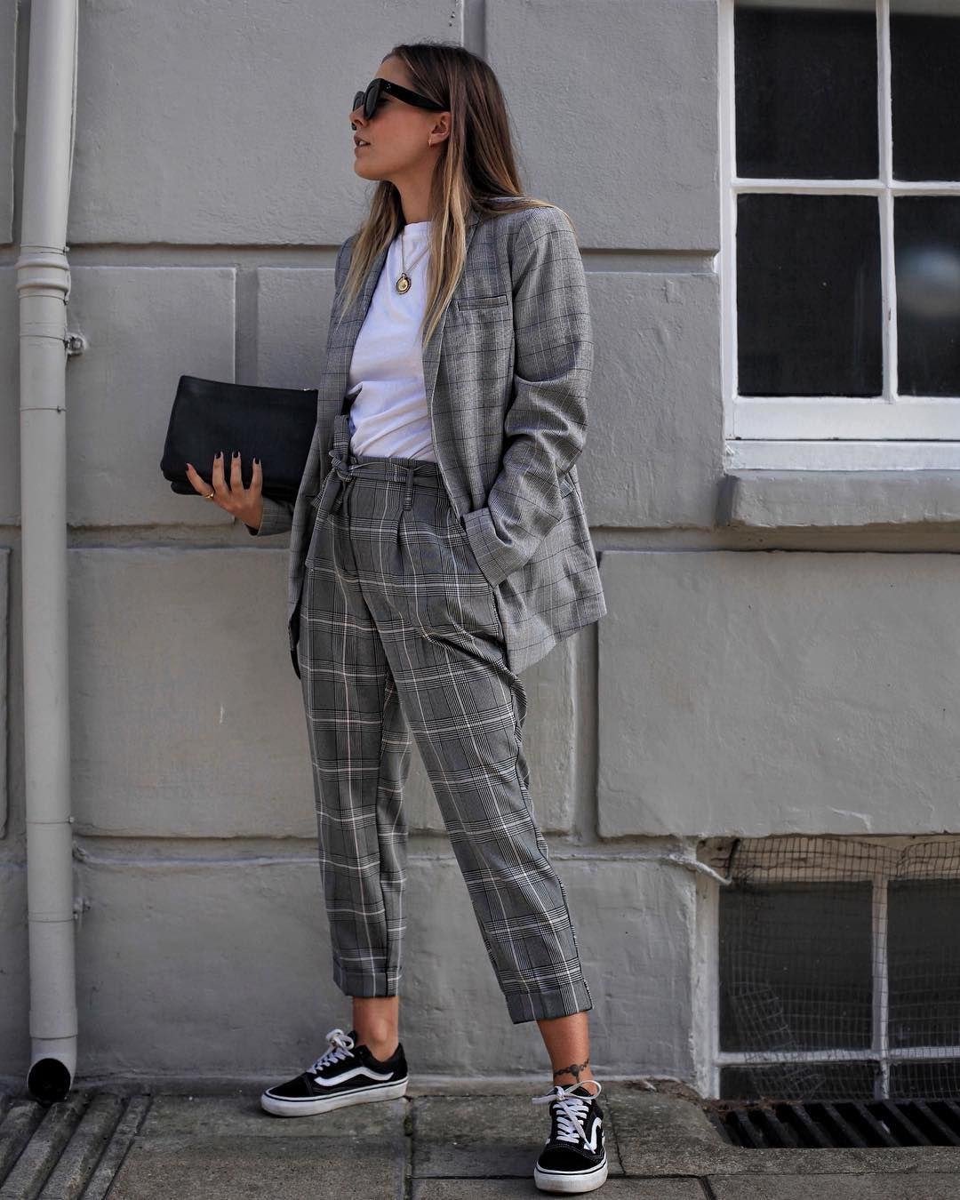 I HAVE BEEN WANTING TO GET PANTS AND A BLAZER LIKE THESE FOR LIKE LITERALLY  FOREVEEEERRRR 18e2b819e0e2e