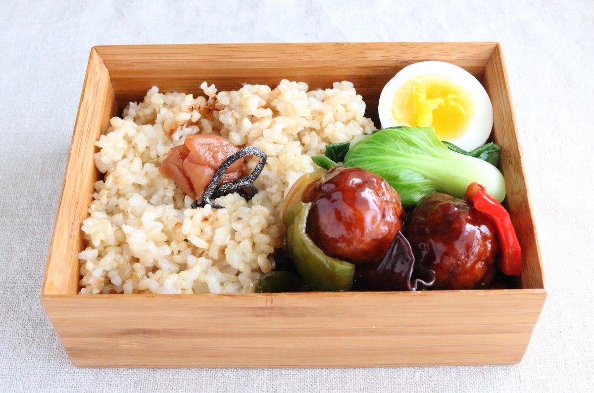 玄米ご飯175g(梅干、塩昆布)、煮抜き、青梗菜スープ通し、地鶏団子黒酢餡