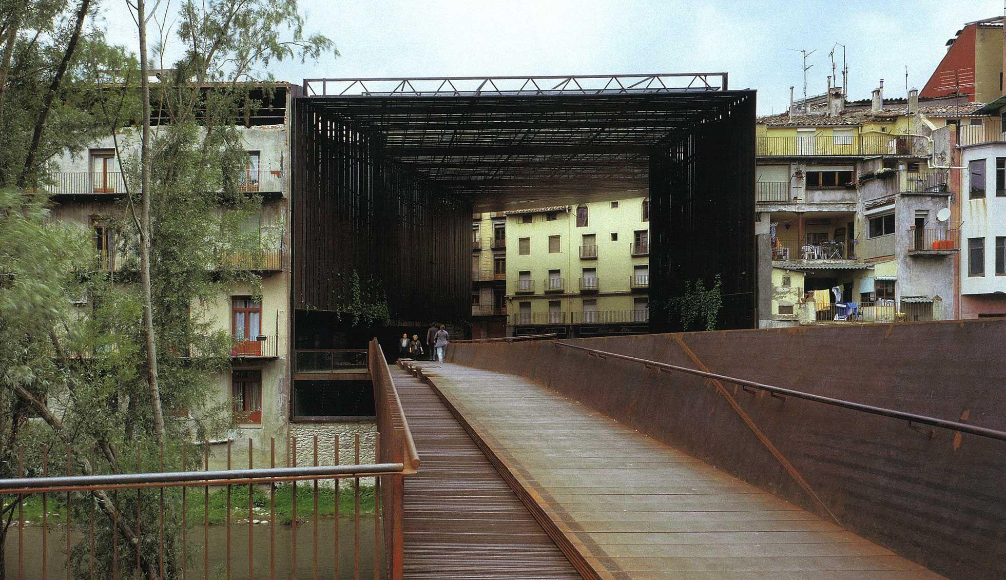 La lira theatre public domain rcr yes architecture for Domaine architecture