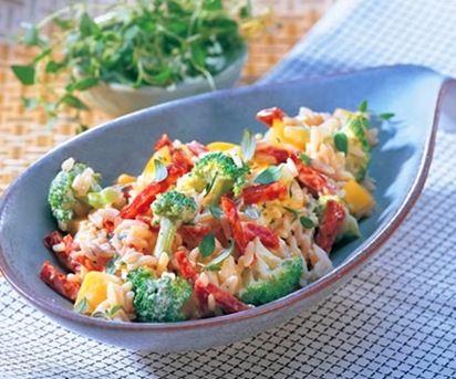 ensaladadearrozpimientosybrocoli Ensalada de arroz, pimientos y brócoli