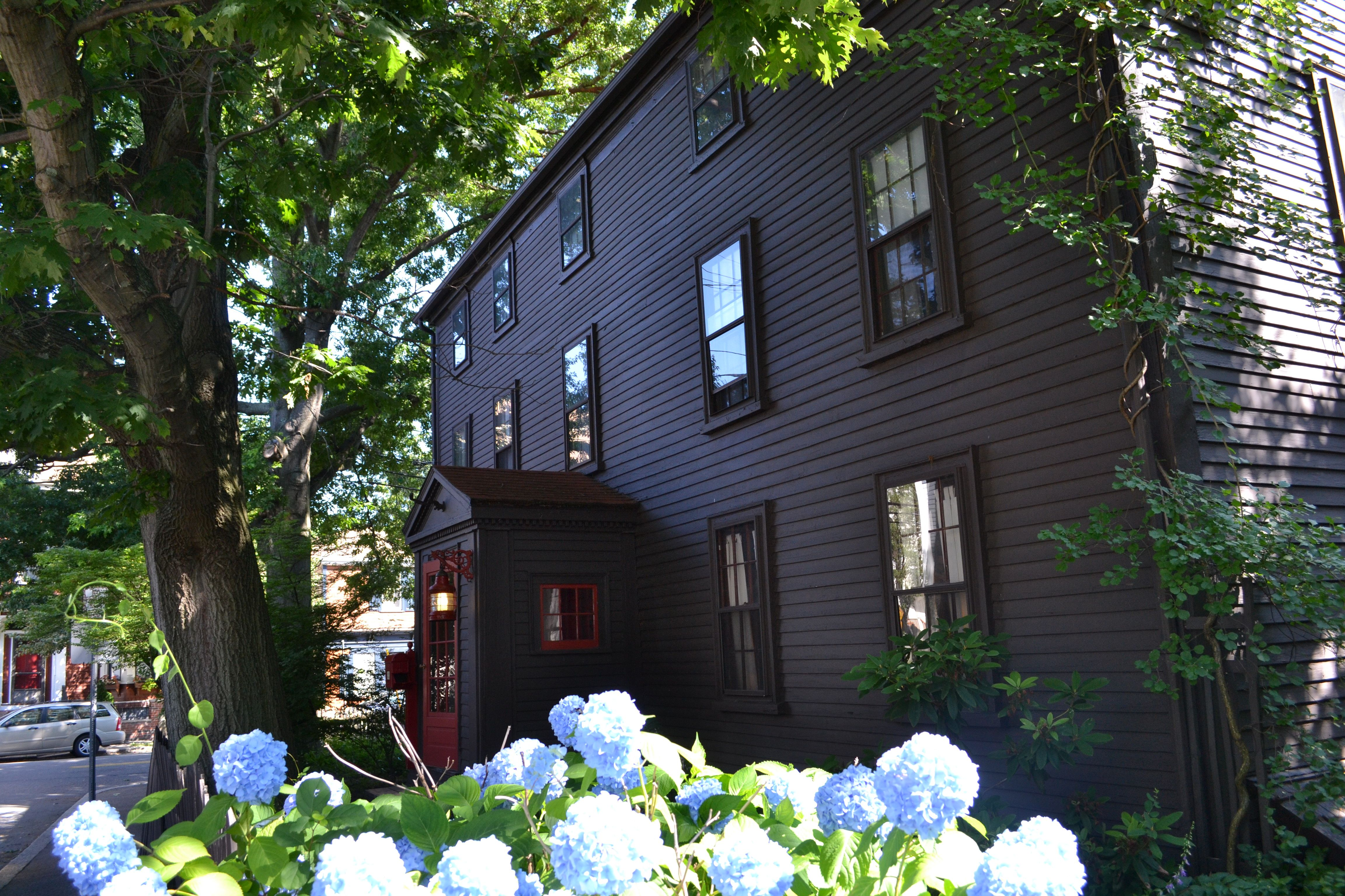 Stephens Daniels House July 2013 in 2019 Salem mass, Bed