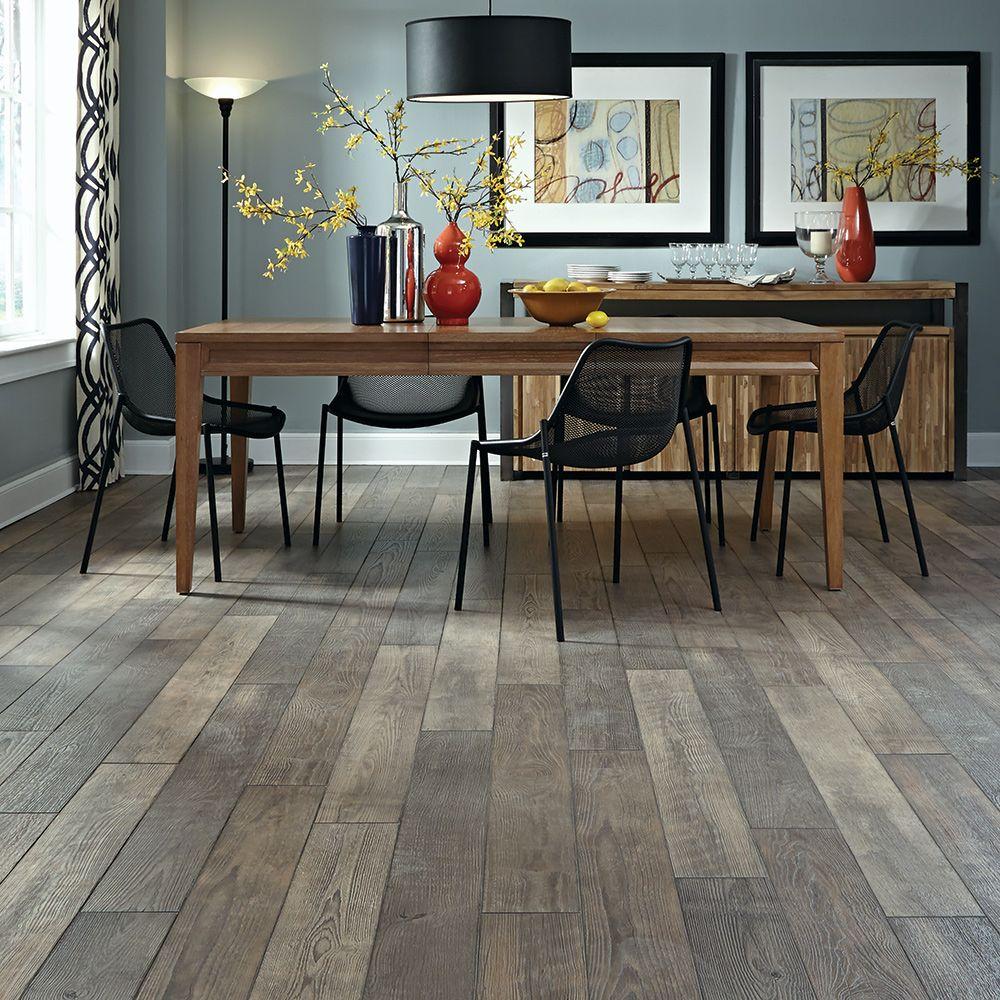 Laminate Floor - Home Flooring, Laminate Options - Mannington Flooring -  Treeline Winter - Vintage Pewter Oak Natural Laminate Floor With Wear And Spill