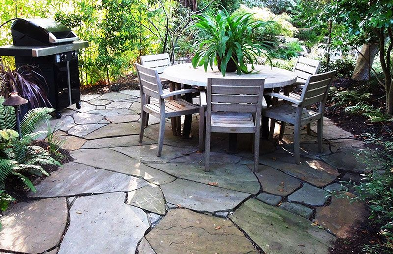 Merveilleux Patio Created From Large Pieces Of Random Cut Flagstone Set In Sand Is  Stable,