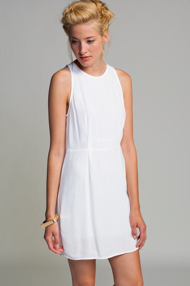 Love the simplicity of this dress BUT it needs a funky or bright ...
