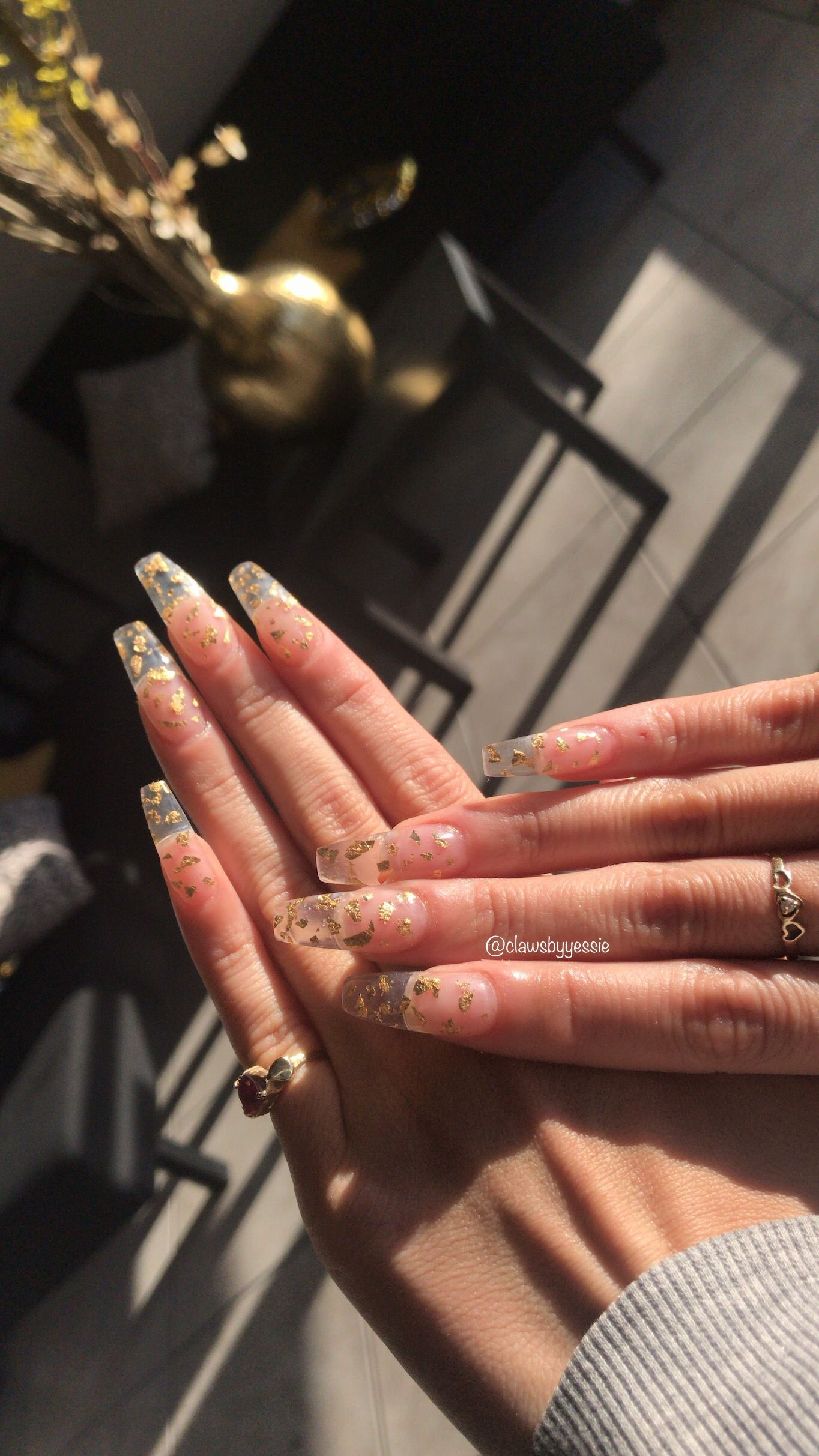 Gold Flake Nails Clawsbyyessie In 2020 Gold Acrylic Nails Coffin Nails Designs Long Acrylic Nails