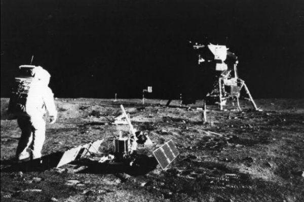 """Nasa alerta: """"não mexam com nosso equipamento na Lua"""""""