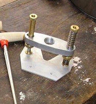 Dremel routing fixture by peter coombe homemade dremel - Soporte para dremel ...