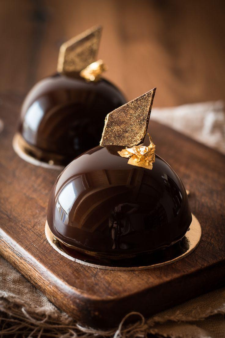 Nougat-Rum-Törtchen mit Schokoladen Mirror Glaze - Kleines Kulinarium