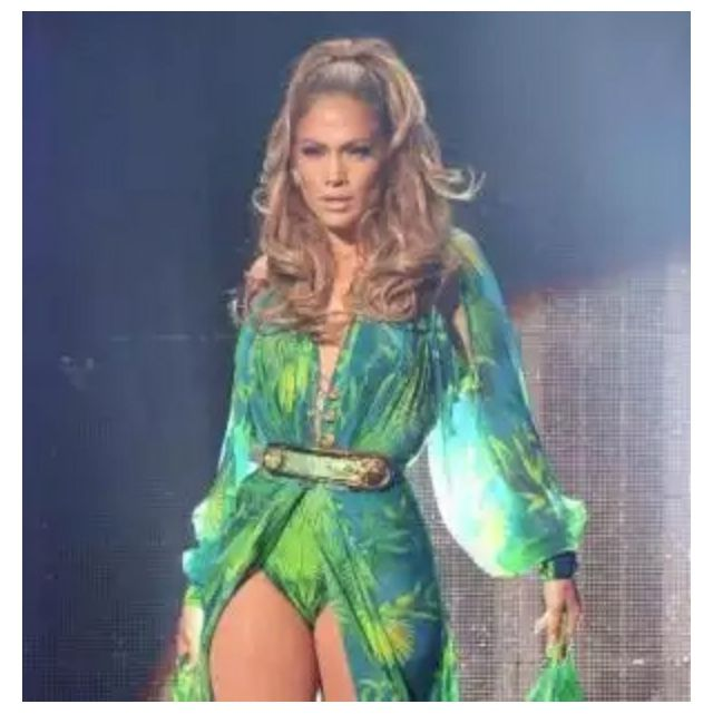 jennifer lopez recreated her iconic versace look from the 2000 grammys at her first ever hometown show in the bronx ny on wednesday