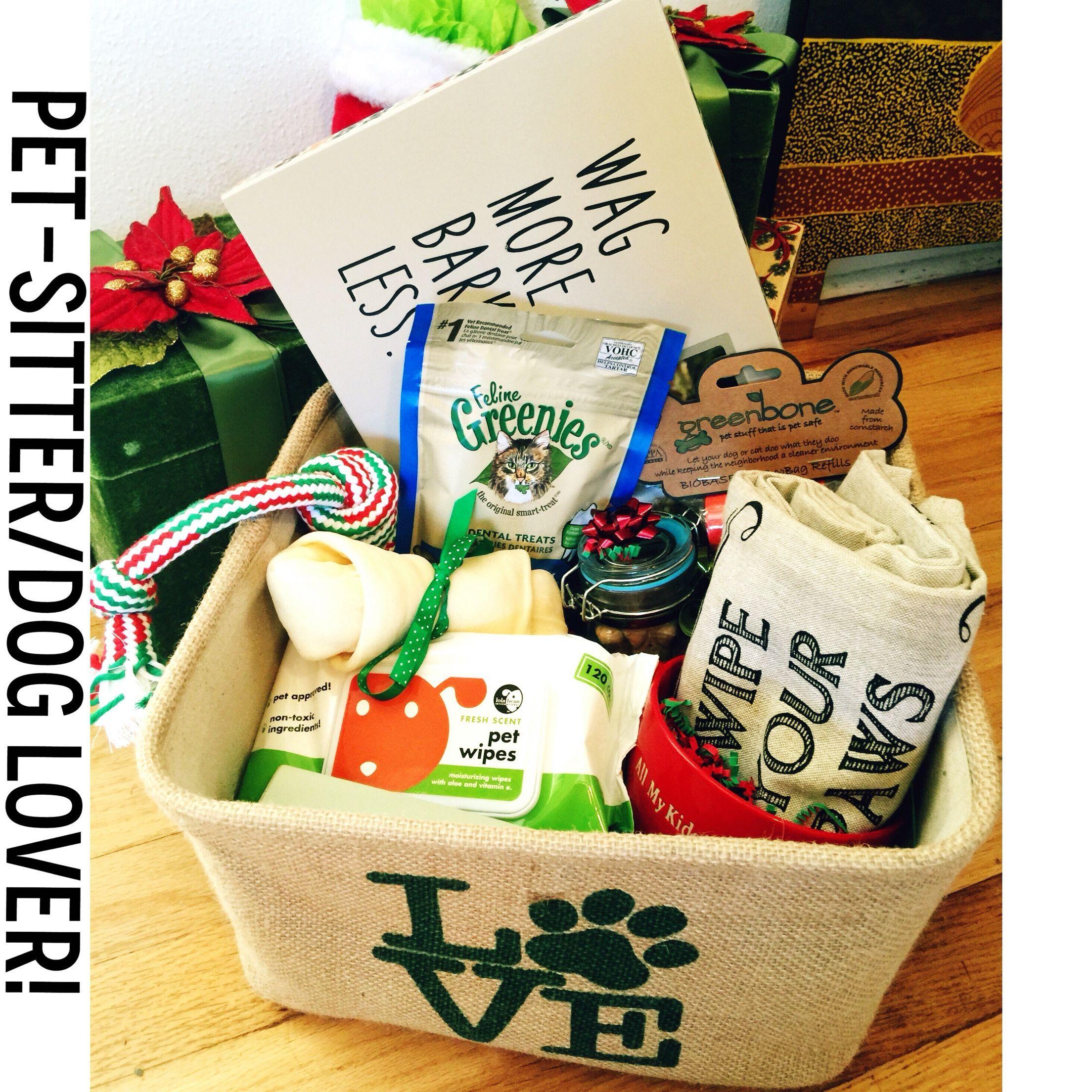 A Thank You Gift Basket I Made For Our Pet Sitter Dog And Kitty Treats Picture Fram Cestas De Regalo Tematicas Regalos De Navidad Hechos En Casa Regalo Perro