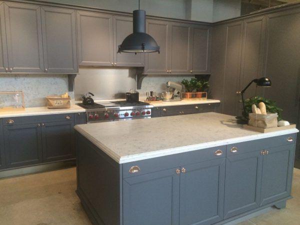 Ten un moderno mueble de cocina en color gris | Colores grises ...