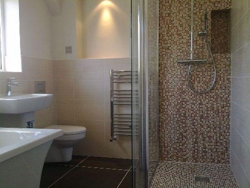 Decorar cuartos de ba o con gresite azulejos de gresite for Decorar azulejos bano