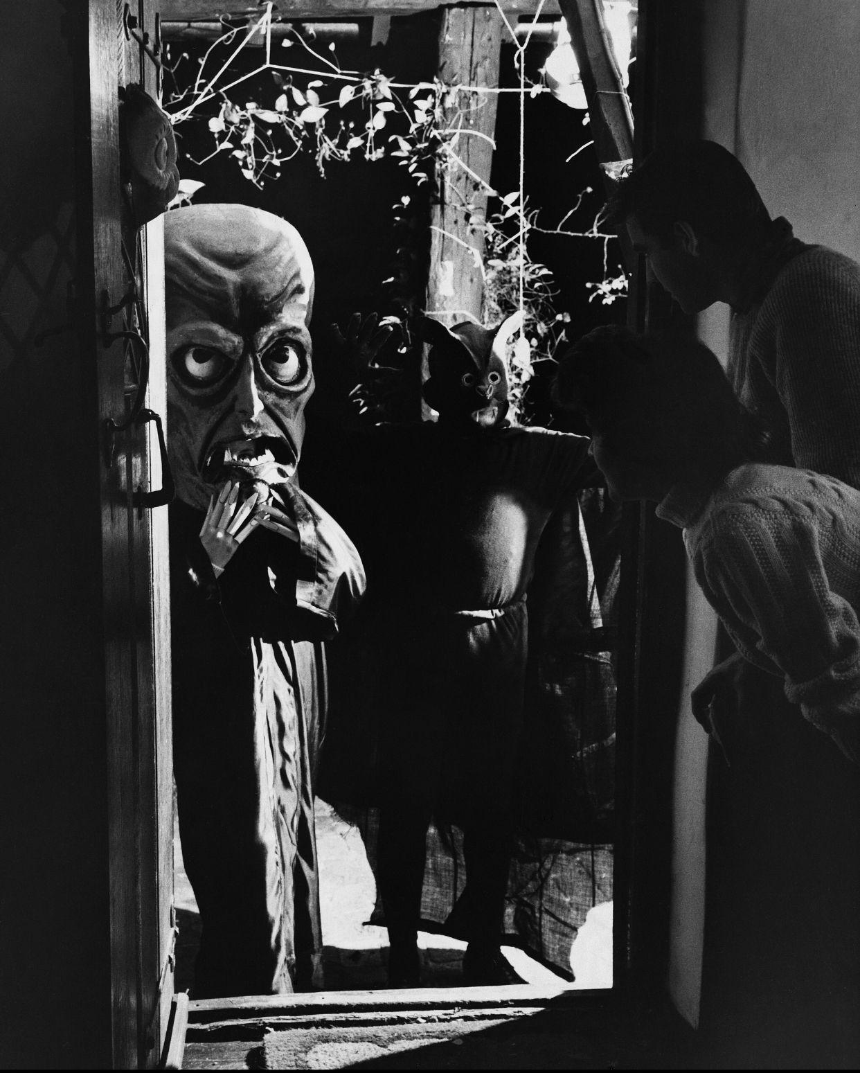 Pin by Karli Ware on Scary Muñeca Vintage halloween