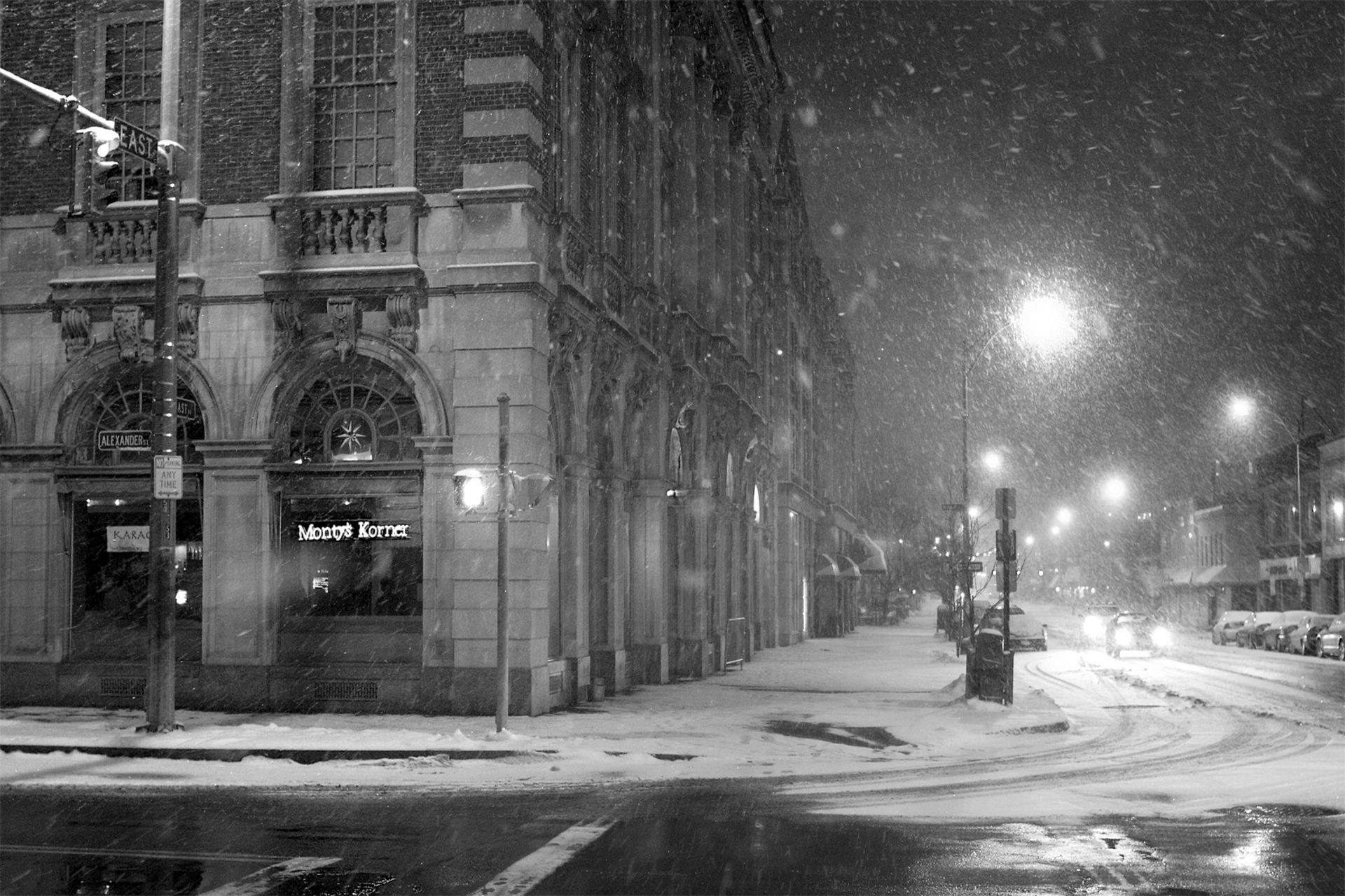 Download City Snowfall Wallpaper