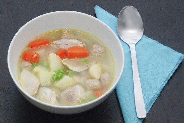 Chicken soup with veggies // Hønsekødsuppe opskrift