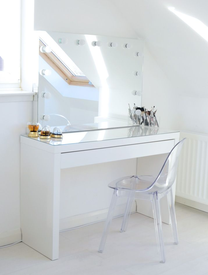 Makeup storage ideas hollywood mirror ghost chairs and for Makeup vanity table and mirror