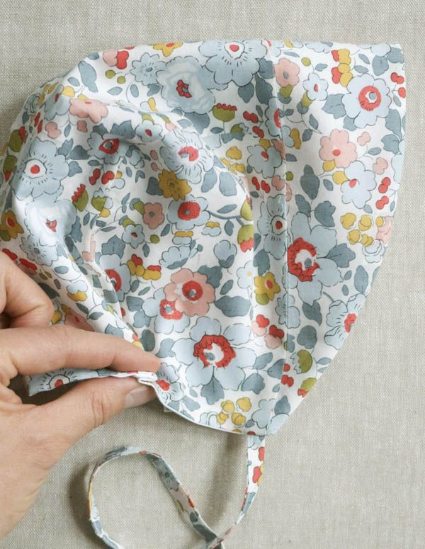Exelent Easy Baby Bonnet Sewing Pattern Inspiration - Easy Scarf ...