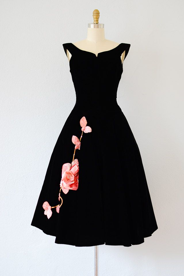 41075a490 VINTAGE 1950S BLACK VELVET PARTY DRESS WITH PINK ROSES. Love, love, love!
