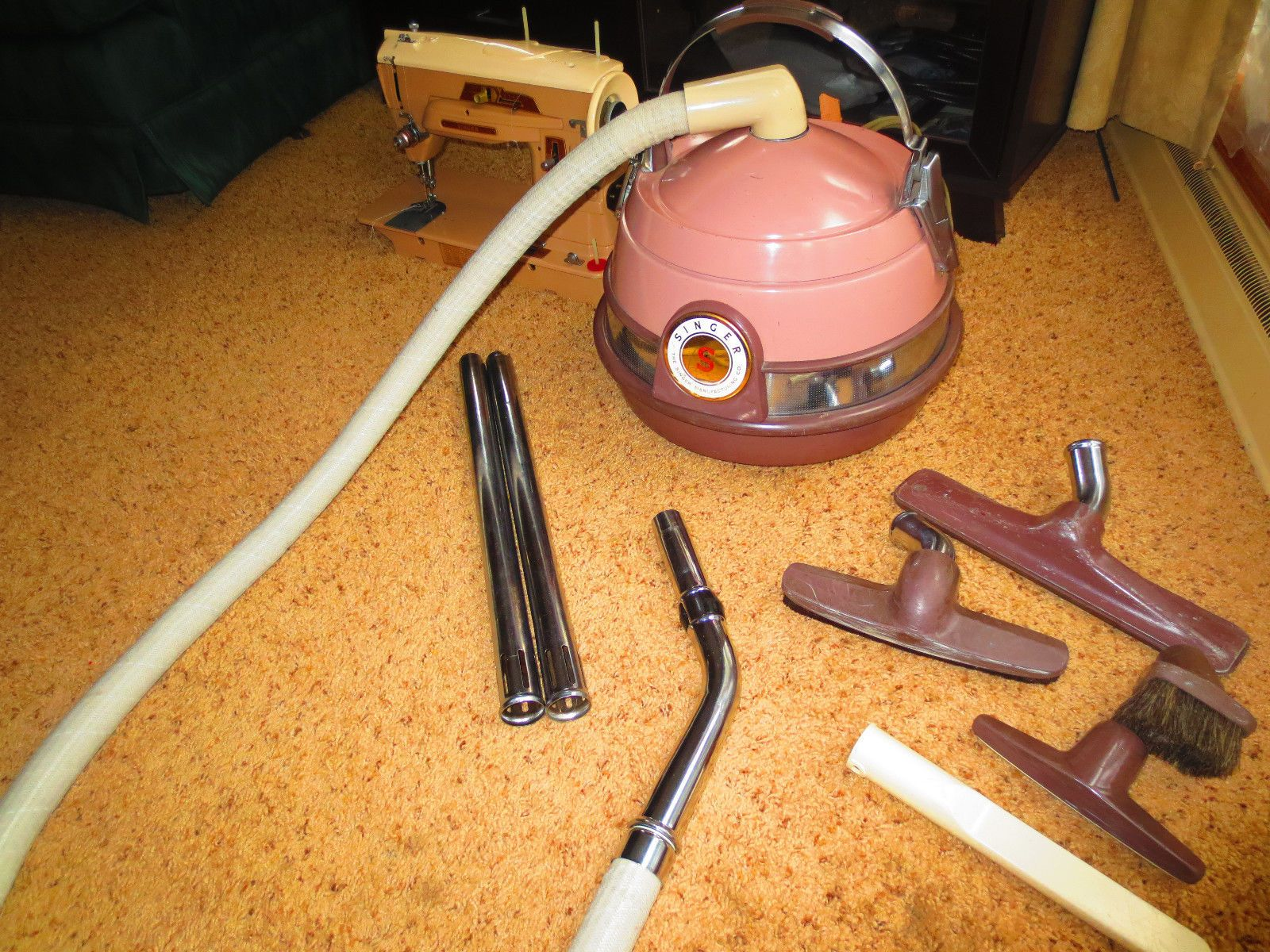 The Kirby Ezee Vacuum Model Was The Kirby Company S First Vacuum Cleaner Developed In 1914 Vintage Vacuum Cleaner Vintage Laundry Vintage Appliances
