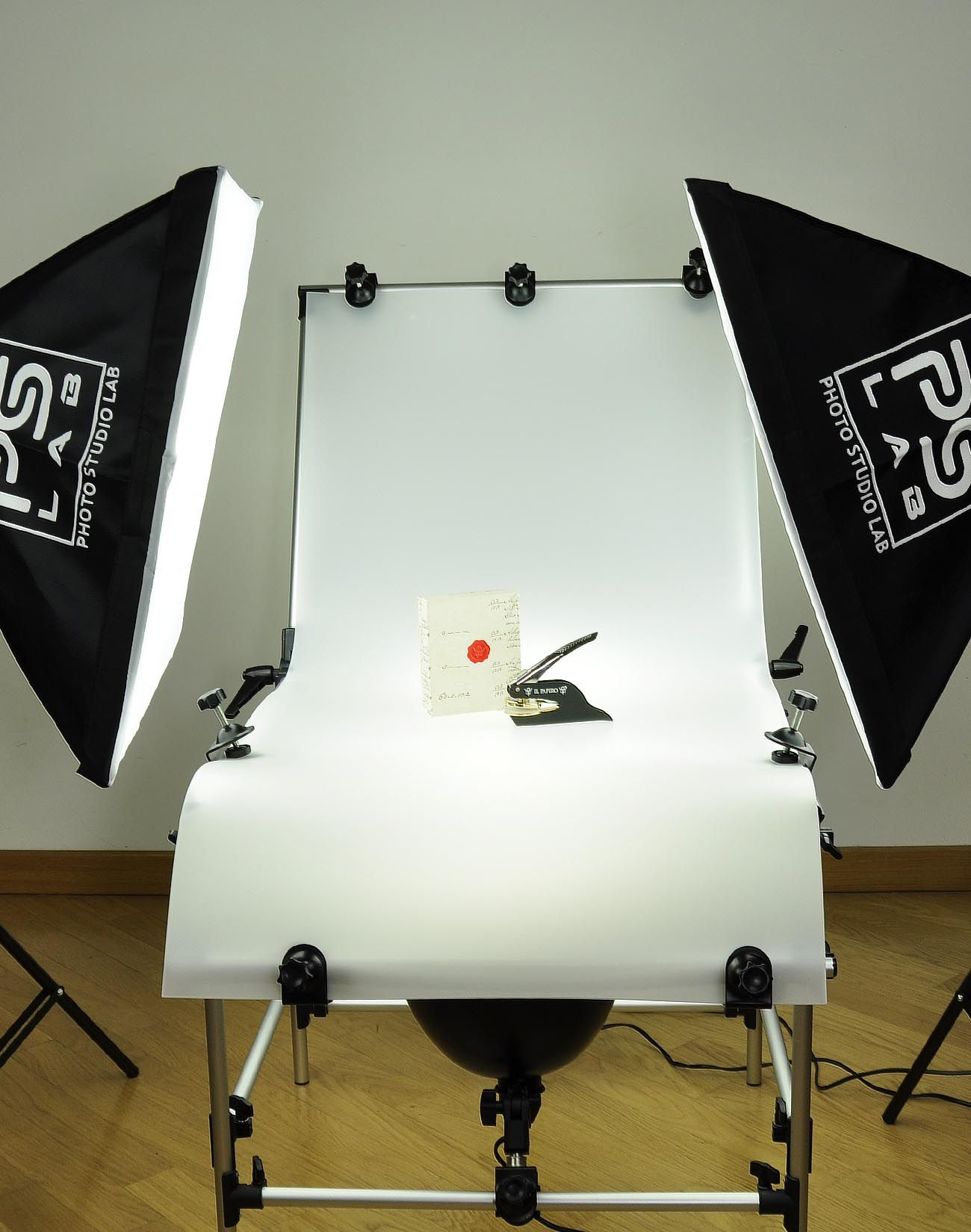 Studio Set Up To Photograph Objects Mini Photo Studio Photo Studio Table Top Photography