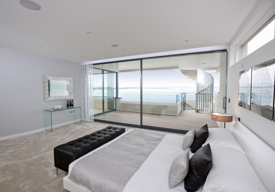 Master Bedroom Ensuite Designs Prepossessing The 1000Sq Fttop Floor Of The Mansion Is Devoted Solely To The 2018