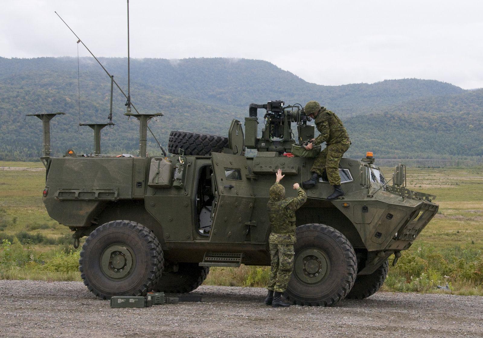 Tactical Armoured Patrol Vehicle / Le véhicule de