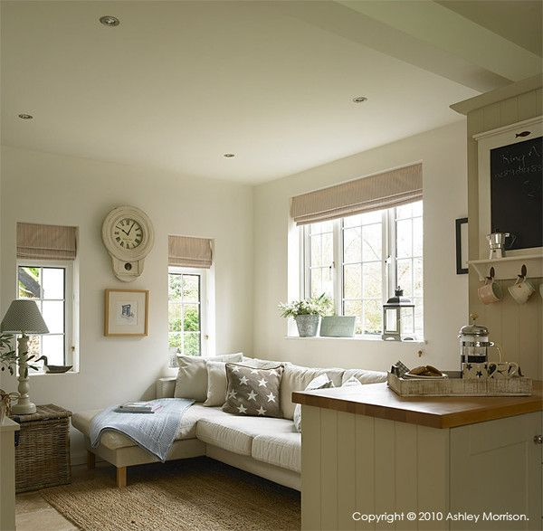 Painted Family Kitchen With Dining Nook: Our Economical Hand Painted Bespoke Kitchen