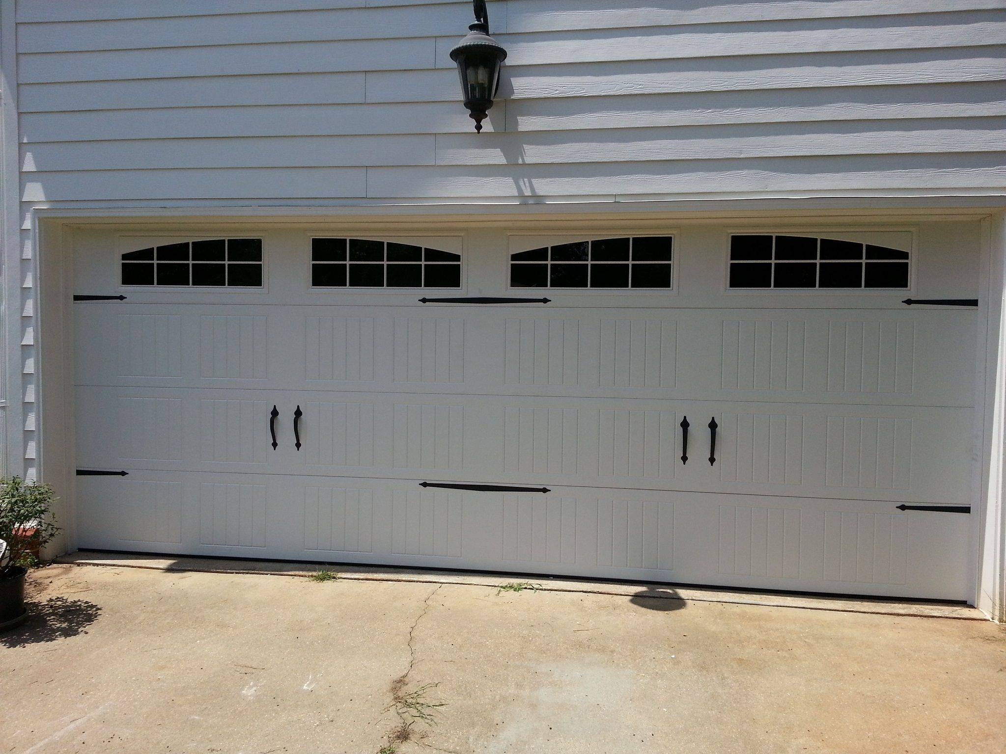 A Garage Door Basically Works Fine Only When Each And Every Component, Is  Working Well In Mechanical And Electrical Way, And Operates Harmoniously.  But Aft