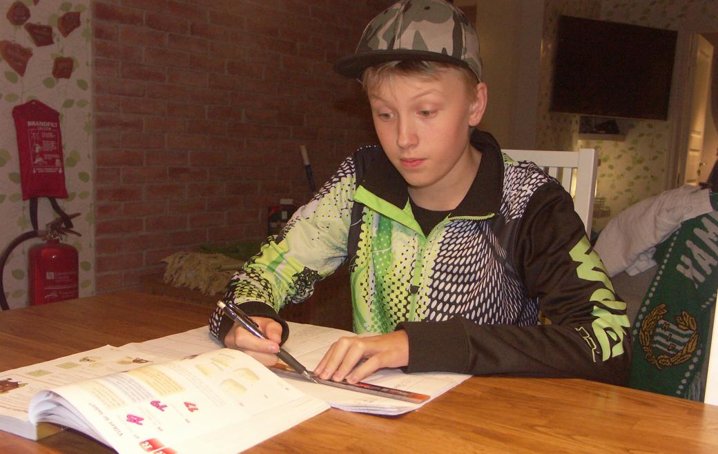 Att orka med skoldagen är en stor utmaning för Martin Ekman, 13 år. Han har ADD och har svårt att hitta motivation och komma igång med nya moment.