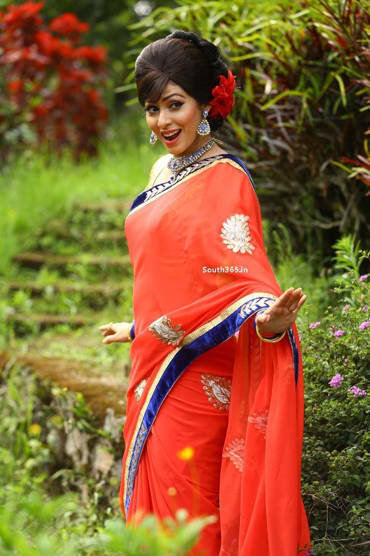 actress sada and vadivelu in eli tamil movie 2015 (15) at 2015 film